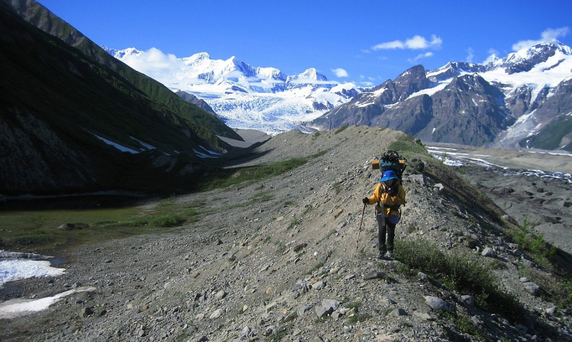 what to pack on your next hike